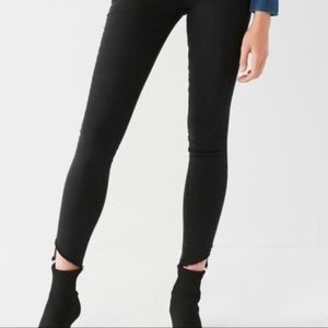 UO BDG Black Twig High Rise Cropped JEANS 26